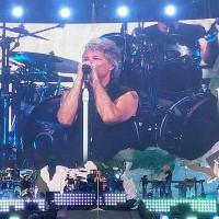 Bon Jovi, FiRMA, Gramofone (Piaţa Constituţiei, Bucureşti)
